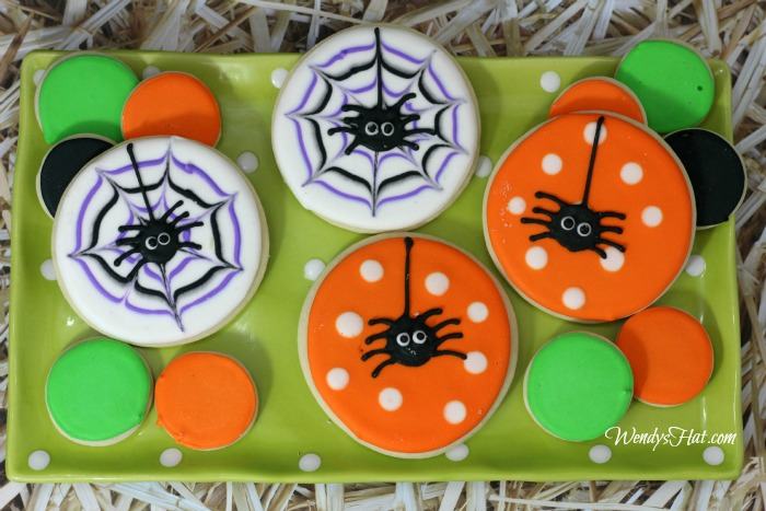 How To Frost Spider Sugar Cookies