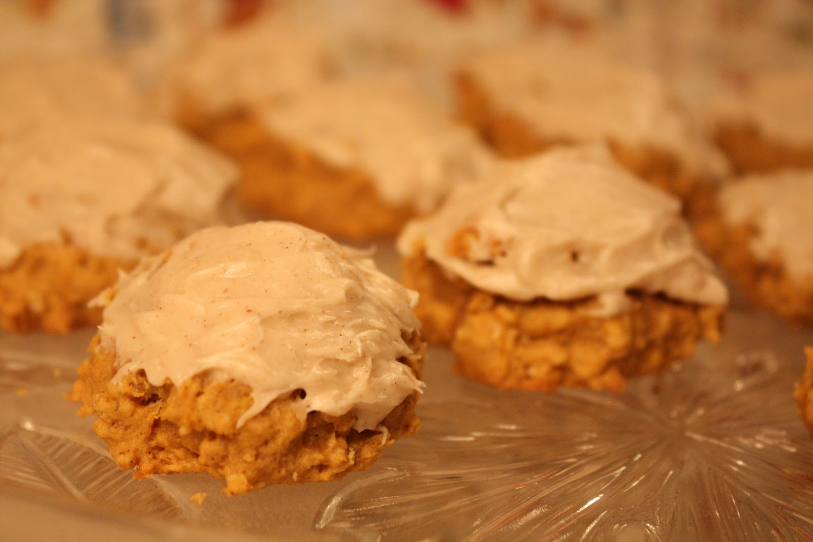 Spiced Pumpkin Oatmeal Cookies - Wendys Hat